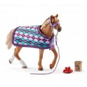 Schleich - Koń rasy Angielskiej z kocem